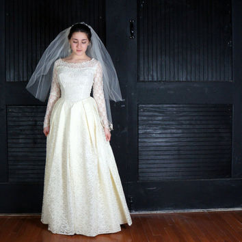Vintage Ivory Lace Wedding Dress- Lace Over Taffeta 50s Silhouette Full Skirt- Ballgown Mad Men Wedding Gown