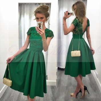 Emerald Green Short Cocktail Dresses 2017 Sexy Backless Robe de cocktail Lace Appliques Short Sleeves Tea Length Party Gowns