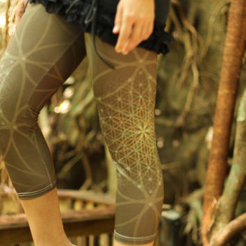 Brown Bloom Flower of life  Leggings // Capri / 3/4 leggings / sacred geometry / flower of life/ Mandala / Yoga Dance leggings capri tights