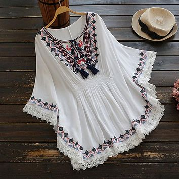 Retro Boho Style Embroidery Shirts Blouses Womens Summer Cloak Top Loose Cotton Lace Hem Bat sleeve Kimono Shirt Blusa Feminina