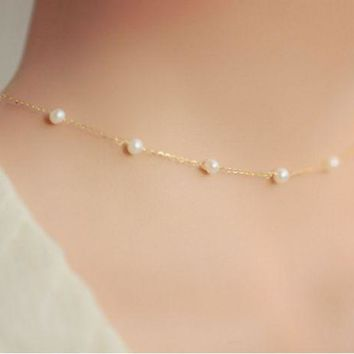 ONETOW Fashion simple natural sweet imitation pearl Ms. short clavicle necklace