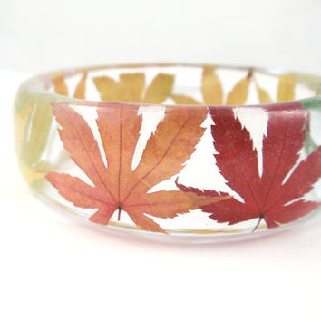 Eco Resin Bangle Bracelet - Size L, Real Flower Resin Bracelet, Chunky Thick Rounded Bangle, Real Plant Bracelet, Maple Leaves
