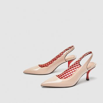 SLINGBACK COURT SHOES WITH CONTRASTING HEELS DETAILS