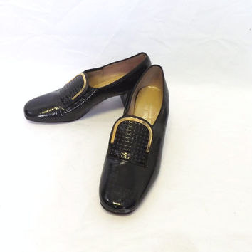 Vintage 1960s 70s Lane Bryant Black Gold Size 7 W Black Patent Leather Pumps Pilgrim High Heel Loafer Shoe Preppy Boho Mad Men Victorian
