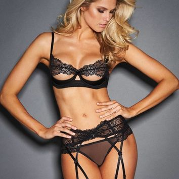 Louise Shelf Bra with Lace