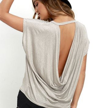 Loose backless T-shirt