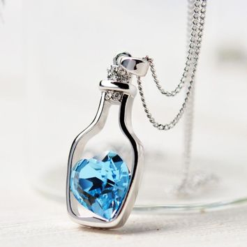 2018 Crystal Heart Pendant Necklace Women Jewelry Hollow Bottle Necklaces Charms Gift Girl Personality Chain Choker Necklaces