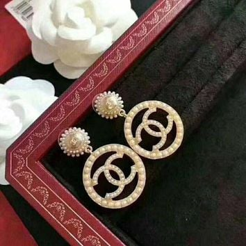 CHANEL 2018 latest women's fashion earrings F