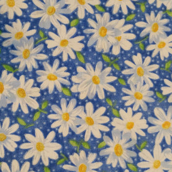 DAISY BLUE 3/4 Yd on Royal Blue White Daisies Keepsake Calico Cotton Fabric Quilt Quality Fun Fabrics for Creative Genius Projects
