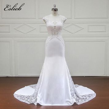 Soft Chiffon Tulle Crystal Leaf Appliques Flower Lace Illusion Design Wedding Dress Court Tail Short Sleeves Mermaid Bridal Gown