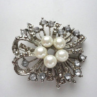 Vintage Rhinestone and Pearl Brooch in Silver