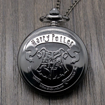 Harry Potter Movie Extension Black Hogwarts School Logo Case Quartz Pocket Watch With Necklace Chain