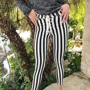 BAY SIDE LACE UP PANTS- STRIPE