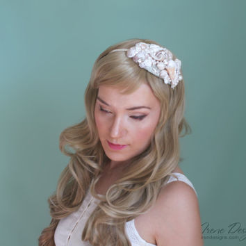 Mermaid's Bridal Seashell Headband. Beach wedding headband. Beach wedding hairpiece. Beach tiara. Handmade Bridal Hair accessories