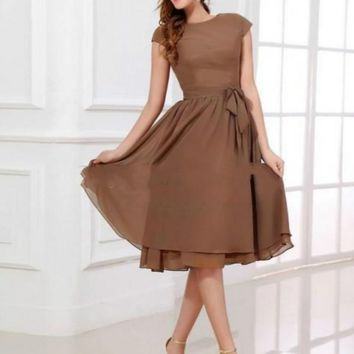 Brown A-Line Bridesmaid Dress Scoop Neck Short Sleeves Tea-Length Zipper Up Covered Button Chiffon Wedding Party Dresses