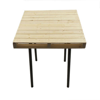 Small Rustic Industrial Design Pallet End Table or Night Stand