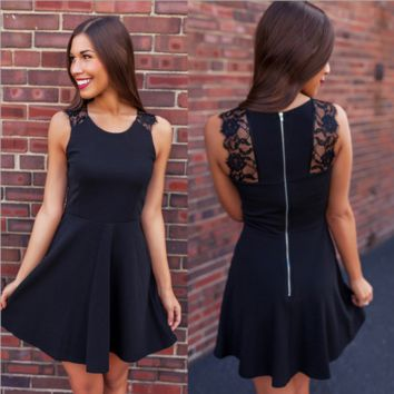 Lace stitching sleeveless dresses