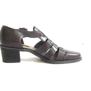 vintage brown strappy sandals. chunky heel leather shoes. womens cage sandals. size 8