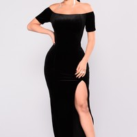 Upgrade Velvet Dress - Black