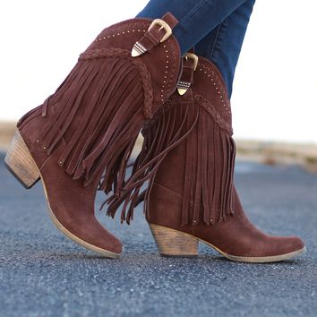Very Volatile: Pasa Fringe Cowboy Boot {Brown}