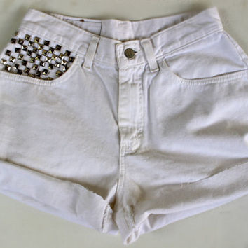 White high waisted shorts by Silvitaa on Etsy