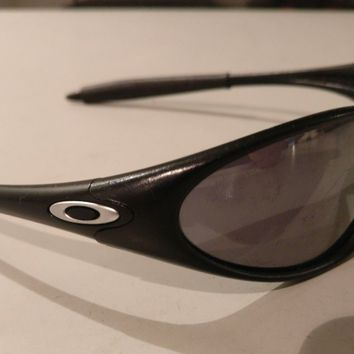 Oakley Original (late 90s) Minute Black Sunglasses Made in the USA Sunnies