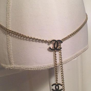 ONETOW Authentic Chanel Gold Tone & Black Metal Chain Belt Or Necklace 43¡± Length