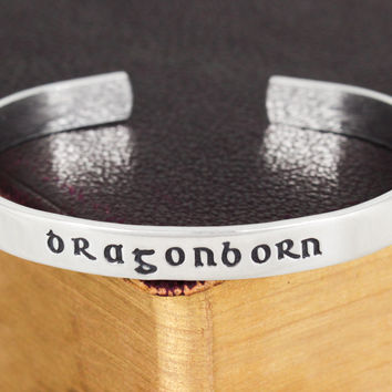Dragonborn - Skyrim - Dragons - Video Games - Aluminum Bracelet