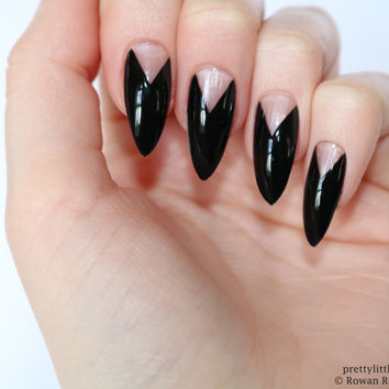 Black french stiletto nails, Fake nail, Stiletto nail, Kylie jenner, Black stiletto nail, Press on nail, Acrylic nail, Fake nail stiletto