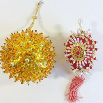 Vintage Beaded Christmas Ornaments Set of 2 Red White Sequin Ornament Gold Round and Egg  Shape Ornament Christmas Tree Decorations