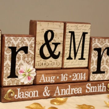 Mr & Mrs Wedding Set