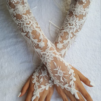 Extra long ivory frame wedding glove, Bridal Glove, ivory lace cuffs, lace ivory gloves, Fingerless Gloves, bridal gloves