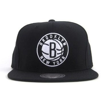 Brooklyn Nets Mitchell & Ness Solid Core Current Logo Snapback Hat in Black White