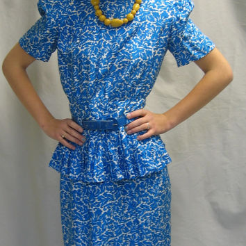 "Flirty Vintage 80s SILK DRESS with PEPLUM by Maggy London Summer Party with Matching Patent Belt Bust 38"" Medium"