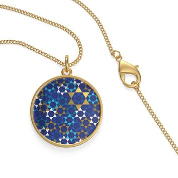 Jewish Star Of David On A Gold Or Silver Plated Round Necklace