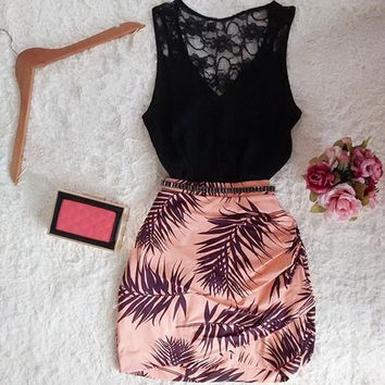 Summer Fashion Women Sexy Mini Hollow Out Lace Sleeveless Vest and Pencil Short Skirt Suits = 5739012737