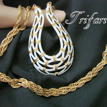 Vintage Crown Trifari White Enamel Goldtone Pendant Necklace / Designer Signed / Jewelry / Jewellery