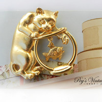 """Vintage Cat Brooch by Jonette """"JJ"""" Cat and Fish Bowl Gold toned Brooch/Pin"""