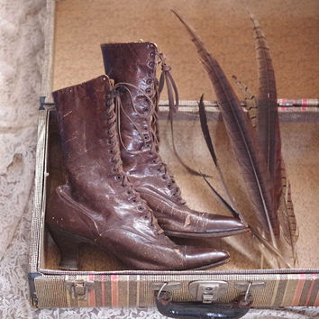 Edwardian Worn Leather Brown Boots circa 1910s-30s Lace Up