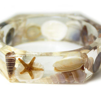 Beach Jewelry-SeaShell Jewelry- Jewelry with real seashells-Beach Bangle- Brown Bangle-Resin Jewelry-Brown  Bracelet