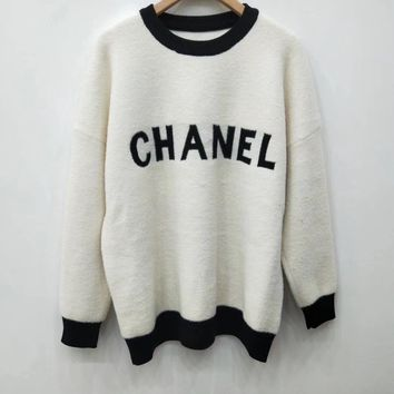 CC Knitted sweater with round collar