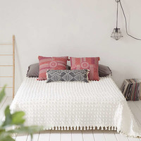 Tufted Dot Bed Coverlet | Urban Outfitters