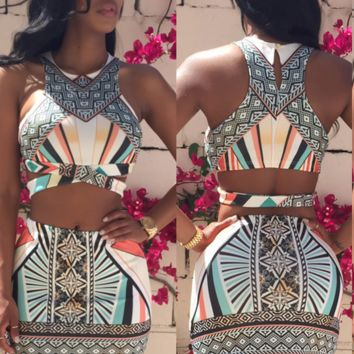 Two piece crop top skirt set with multicolor design