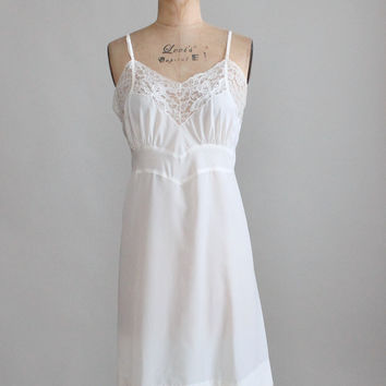 Vintage 1950s Barbizon Rayon and Lace Slip