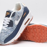 Nike Air Max 90  Basketball Sneaker