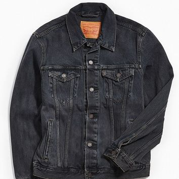 Levi's Overdyed Denim Trucker Jacket | Urban Outfitters