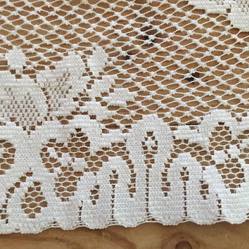 Lace Table Runner, White Lace Table Runner, Dresser Scarf, Floral Design, French Country, Cottage Farmhouse Decor, 34 x 13.75 Inches