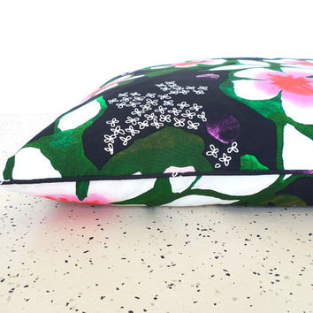 Large dog bed cover 34x45, flower dog cushion cover, black dog duvet, modern floral pet pillow, large floor pillow black and pink decor