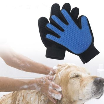 True Touch Dogs Finger For Pet Deshedding Hair Glove Brush Cat Comb Gentle Efficient Products Massage Grooming Pet Products