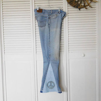 Hippie Bell Bottom Jeans Levi Frayed Worn Destroyed Peace Sign Patch Men Boyfriend Bohemian Pants Elephant Super Wide Flair Denum Distraught